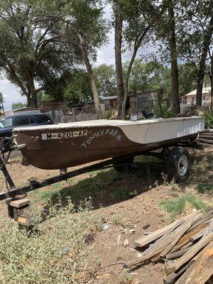 Fixer upper boat for Sale in Albuquerque, NM