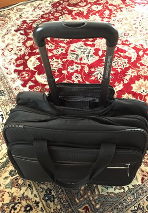 Rolling Travel Tote Perry Ellis for Sale in Milton, MA