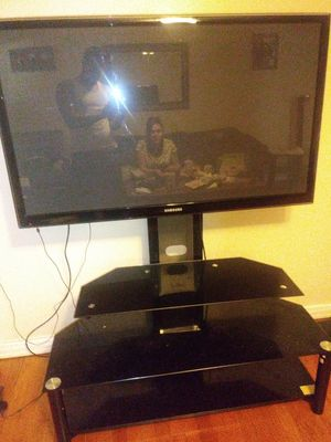 50 inch samsung plasma tv with tv stand for Sale in Fort Worth, TX