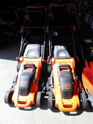 Black and Decker 13 amp electric lawn mower for Sale in Phoenix, AZ