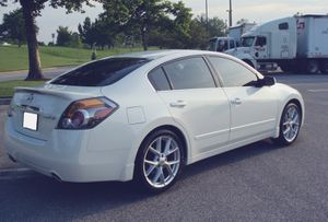 Selling My 2007 Nissan Altima White Color for Sale in St. Louis, MO
