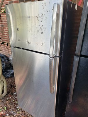Ge REFRIGERATOR for Sale in Durham, NC