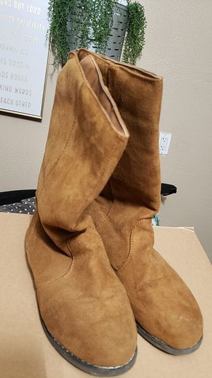 Girls boots brown suede size 4 for Sale in Ceres, CA