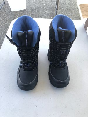 Kids snow boots size 13's for Sale in South Hill, WA