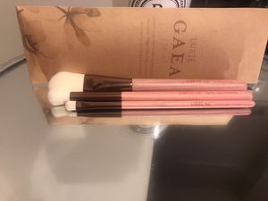 Luxie makeup brushes set for Sale in Half Moon Bay, CA
