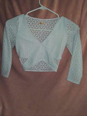 **Shop my closet** Hollister Long sleeve crop top for Sale in Phoenix, AZ