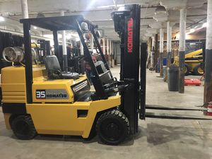 Komatsu 35 forklift for Sale in North Smithfield, RI