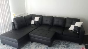 Lifestyle Black Leather Sectional Couch for Sale in Auburn, WA