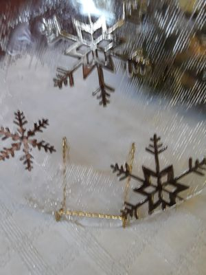 Holiday platter with snowflake design for Sale in Mulberry, FL