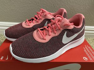 Women's Nike Tanjun size 8.5 and size 9 for Sale in Rancho Santa Margarita, CA