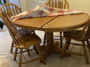 Dining table for Sale in Chapel Hill, NC
