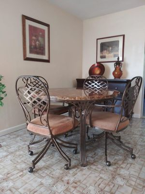 Marble Table - 4 Chairs for Sale in Hialeah, FL