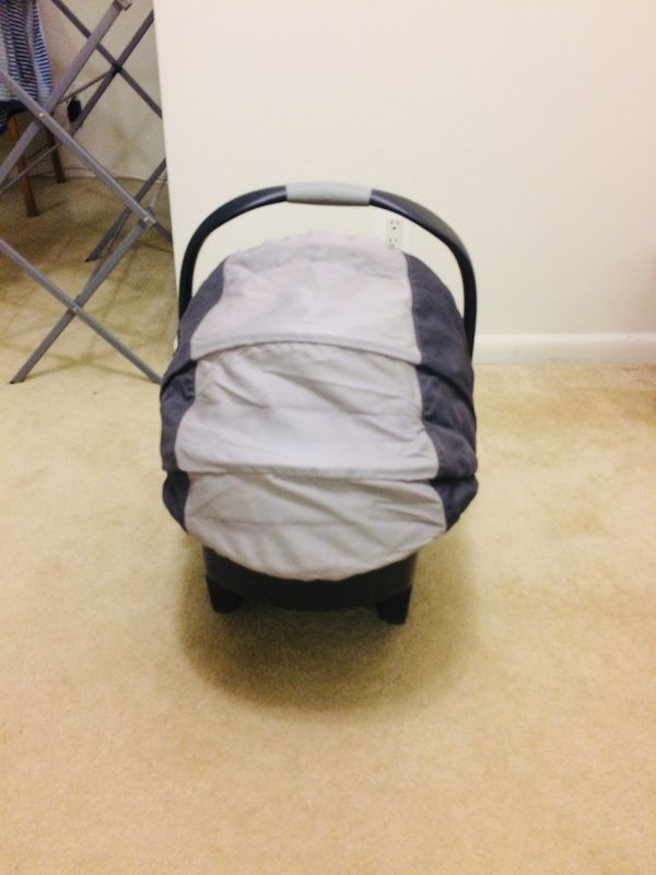 Chicco key Fit 30 Infant car Seat with Base