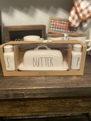 Rae Dunn butter with salt and pepper for Sale in Clovis, CA