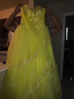 15 dresses. Size 12 yellow and size 10 purple. 400$ each. Or take both for 7. Brand new NEVER WORN . for Sale in Houston, TX