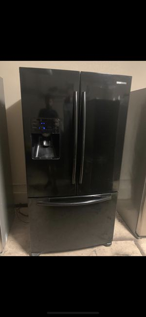 Black Samsung French door fridge Double ice machine one month warranty. FREE DELIVERY for Sale in Mesa, AZ