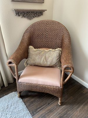 Sturdy Accent Chair for Sale in Richmond, TX