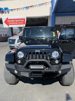 Jeep Wrangler Unlimited Sahara for Sale in Fresno, CA