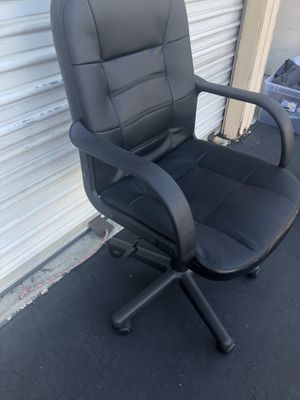Black leather desk chair for Sale in La Mesa, CA