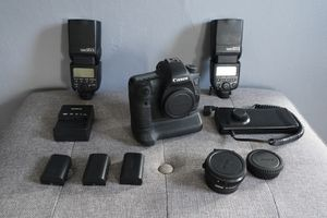 Canon 6D, lenses and more! for Sale in Puyallup, WA