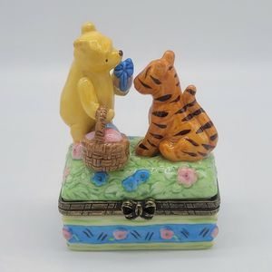 Disney's Winnie The Pooh And Tigger Trinket Box for Sale in Monroe, WA
