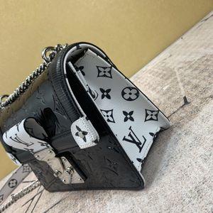 Louis Vuitton Mini bag for Sale in Miami, FL