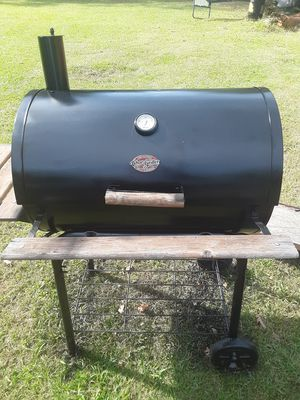 Charcoal grill for Sale in Brandon, MS