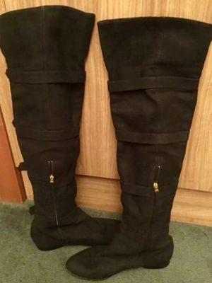 🔥 Authentic FENDI High-Knee Boots W/ Gold Pin Straps - Size : 8 *MSRP $1190* - Must Try!🔥 for Sale in Los Angeles, CA