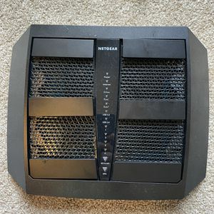 Netgear Nighthawk X6 R8000 AC3200 Tri-Band WiFi router for Sale in Wilsonville, OR