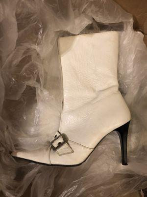 Leather boots white 7 for Sale in Austin, TX