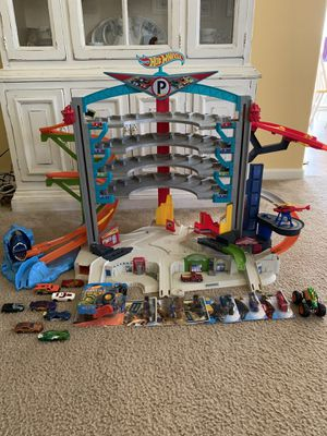 Hot Wheels Garage with cars for Sale in Lindsay, CA