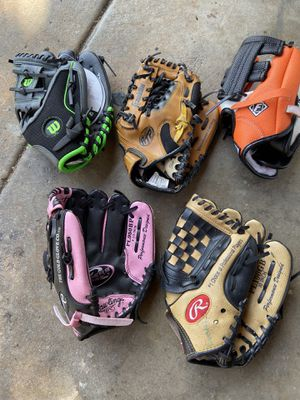 """T-ball baseball gloves 8 1/2 inches to 10"""" for Sale in Cerritos, CA"""