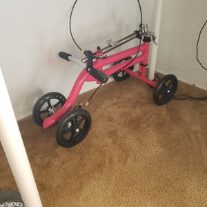 KneeRover Steerable Knee Roller Scooter Crutch Alternative Hot Pink for Sale in Miami, FL
