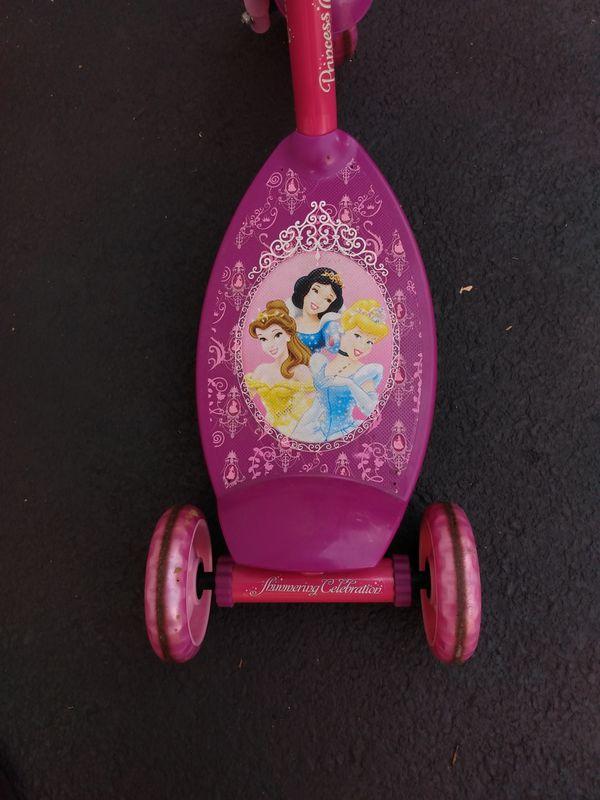 Huffy 3-wheeled scooter Disney Princesses