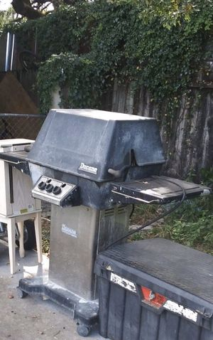 Free BBQ grill for Sale in Winter Springs, FL