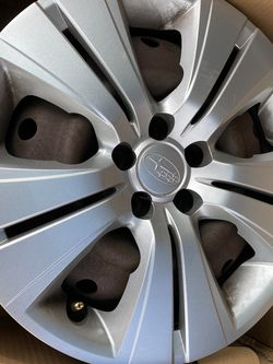 Subaru Outback Steel Wheels With Covers 2013 for Sale in Bothell,  WA