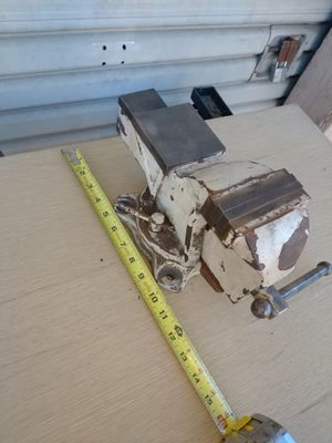 4 inch vise for Sale in Santee, CA