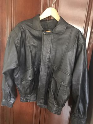 Men Genuine leather jacket size m/ no peeling in very good shape for Sale in Los Angeles, CA