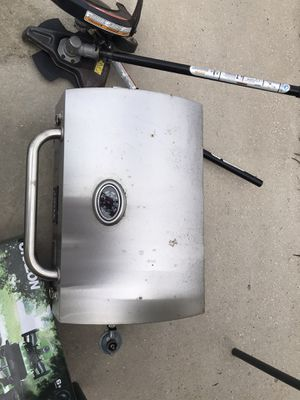 Gas grill for Sale in Auburndale, FL