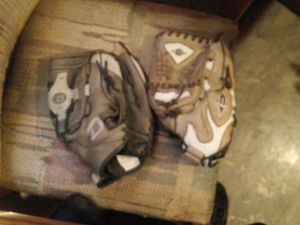 2 left hand baseball gloves for Sale in Brooklyn, OH