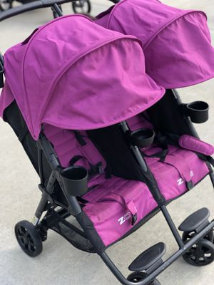 Zoe Double Stroller (only 19 lbs) for Sale in Twinsburg, OH