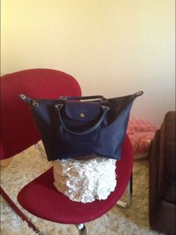 *LOW PRICE MOVING* BEAUTIFUL LONGCHAMP PURSE RETAILED $225 + TAX for Sale in Seattle,  WA