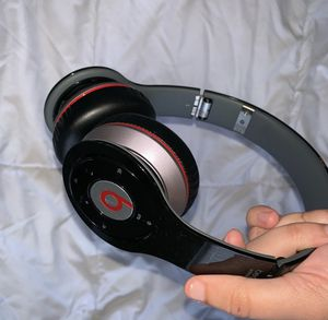 Beats solo for Sale in Staten Island, NY