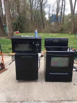Appliances - oven dishwasher microwave for Sale in Fort Washington, MD