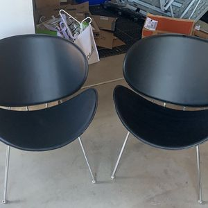 2 Leather Chairs for Sale in Fountain Hills, AZ