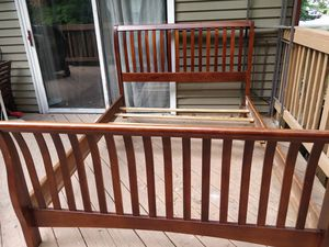 Nice wooden QUEEN bed frame in good condition, Driveway pickup. for Sale in West Springfield, VA