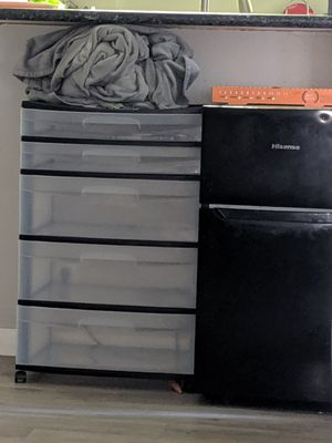5 drawer plastic bin for Sale in Paramount, CA
