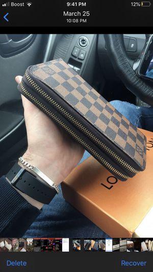 Louis Vuitton wallet for Sale in Lake Charles, LA