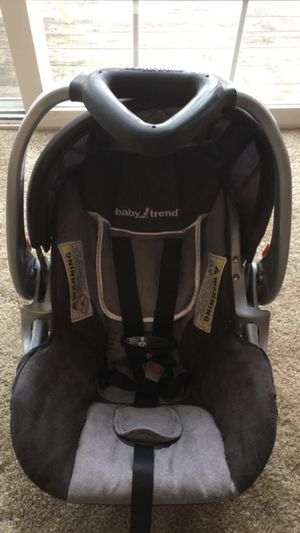 Infant car seat age from 0-year-old to 12 months for Sale in Sylvania, OH