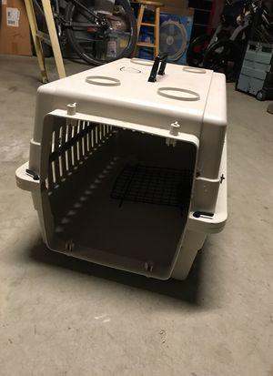 Dog crate and bog pads for Sale in San Diego, CA
